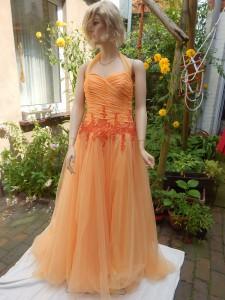 Färberei Holtmann Wittingen - Brautkleid gefärbt - Polyester - apricot