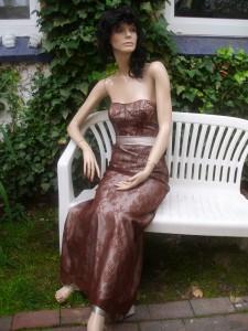 Färberei Holtmann Wittingen - Brautkleid - gefärbt - mit Baumwollspitze - braun