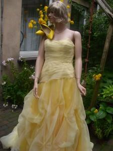 Färberei Holtmann Wittingen - Brautkleid gefärbt - Polyester - gelb