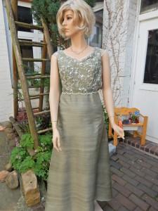 Färberei Holtmann Wittingen - Brautkleid gefärbt - Wildseide graugrün