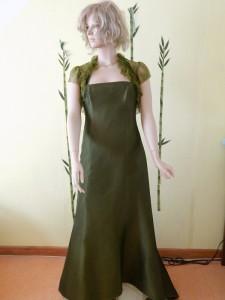 Färberei Holtmann Wittingen - Brautkleid gefärbt - Seide olivgrün