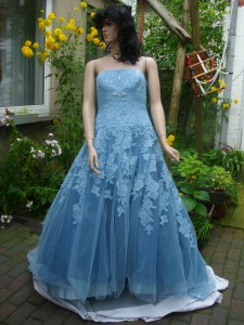 Färberei Holtmann Wittingen - Brautkleid gefärbt - Polyester - türkisblau